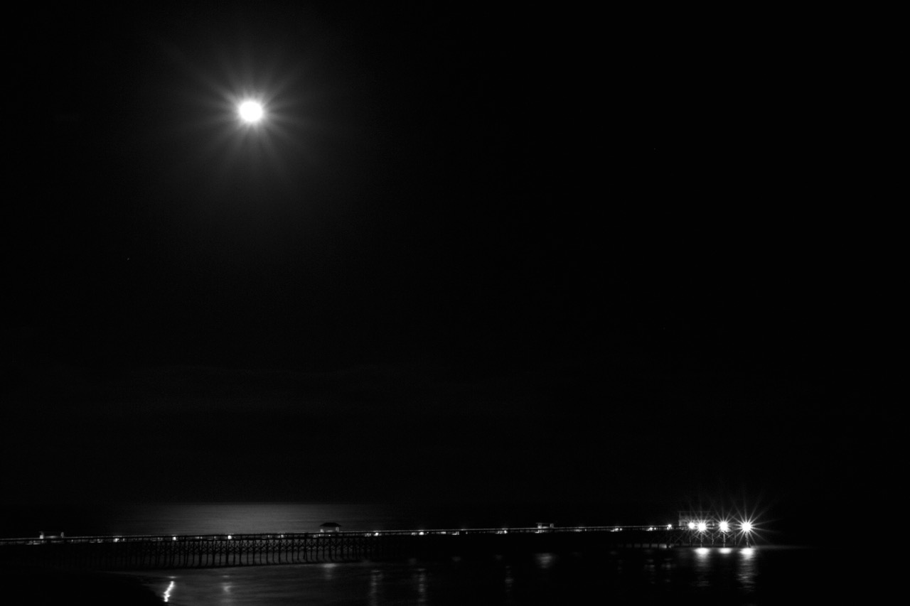 Moon rise over Folly.  ISO 1000 | 45mm | f/22 | 15 seconds